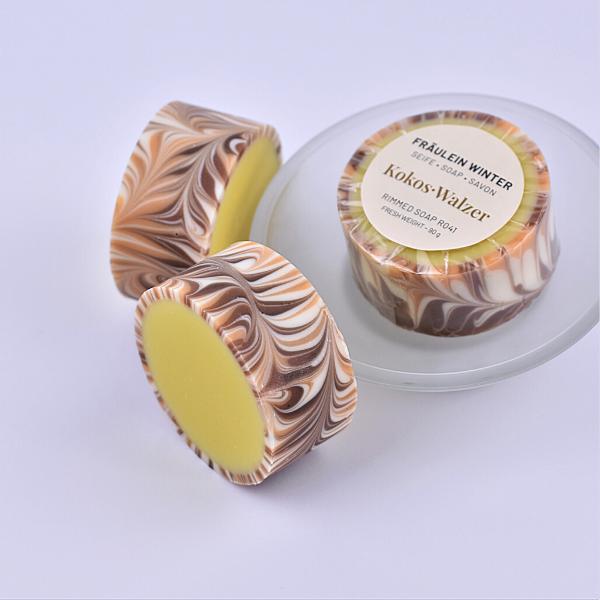 Kokos.Walzer - Rimmed Coconut Soap - Designseife